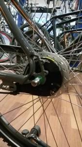 Eksempel på rullebremser til baghjulet.