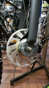 Eksempel på rullebremser til forhjulet.